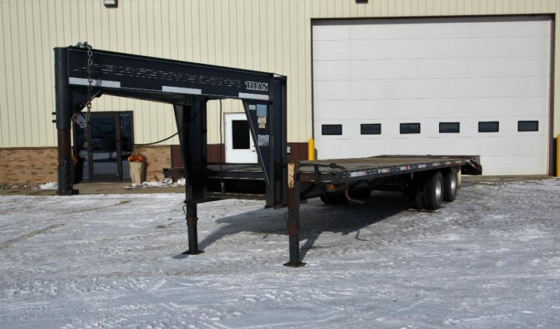 2001 Titan 29ft Flatbed GN  Trailers Image