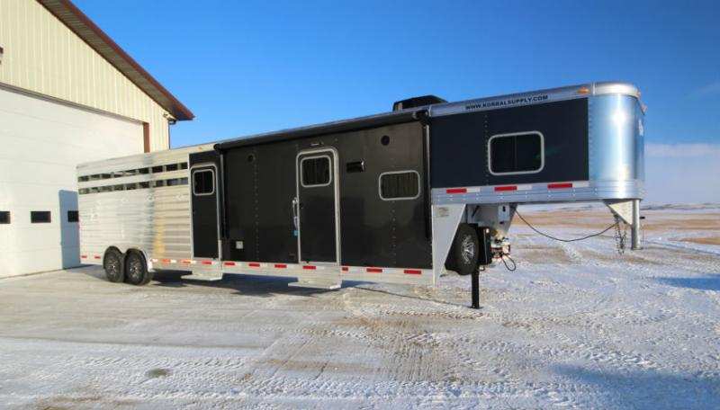 2018 Exiss 32ft Stock Back LQ Horse Trailer Trailers Image