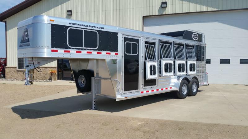 2017 Elite 4 Horse with Hayrack  Trailers Image