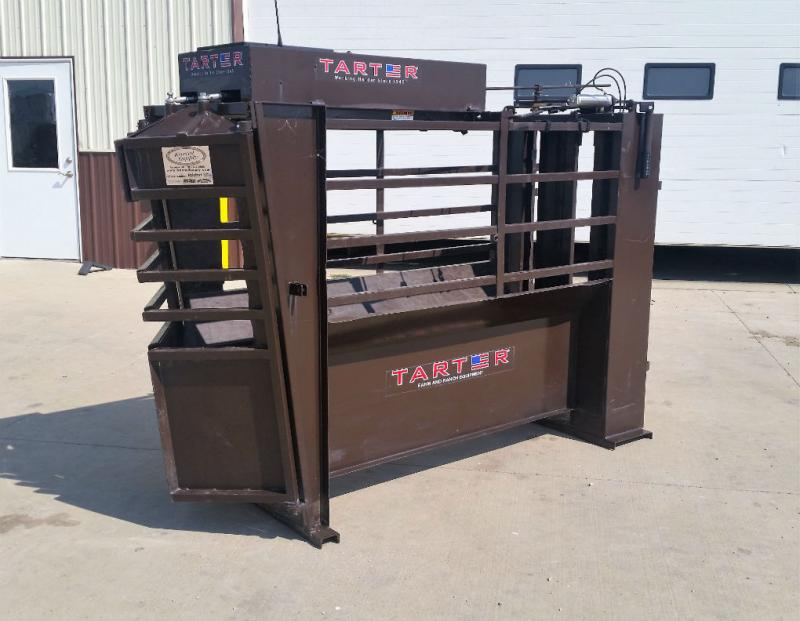Used Tarter Fully Automatic Roping Chute  Rodeo Image