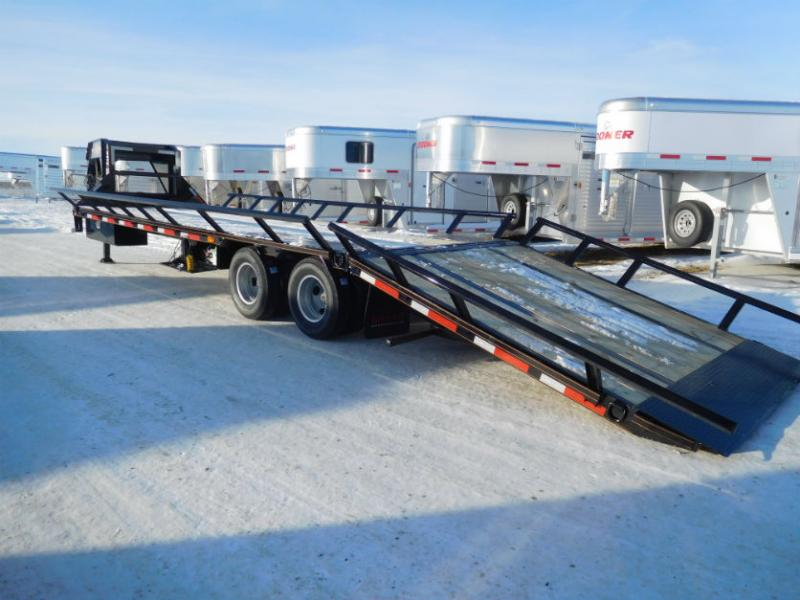 2018 32ft MAXXD HYD/DOVETAIL TRAILER WITH DUALS Trailers Image