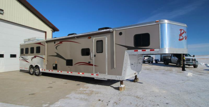 2012 Bison 4 Horse LQ  Trailers Image