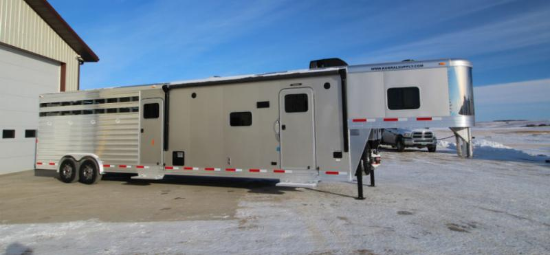 2018 Exiss 34ft Stock Back LQ Trailer Trailers Image