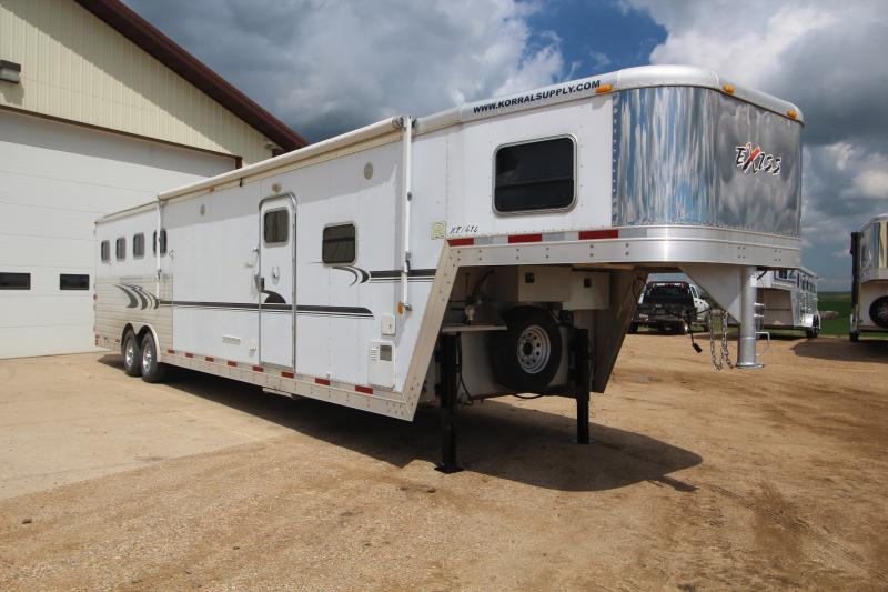 2005 Exiss 4H LQ with slide Trailers Image